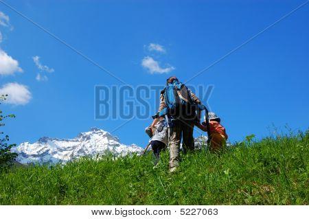 Family Mountain Trekking