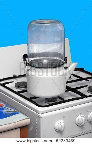 Sterilisation of glass jars