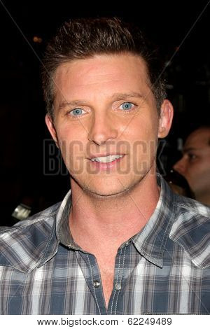 LOS ANGELES - MAR 25:  Steve Burton at the Young and Restless 41st Anniversary Cake at CBS Television City on March 25, 2014 in Los Angeles, CA