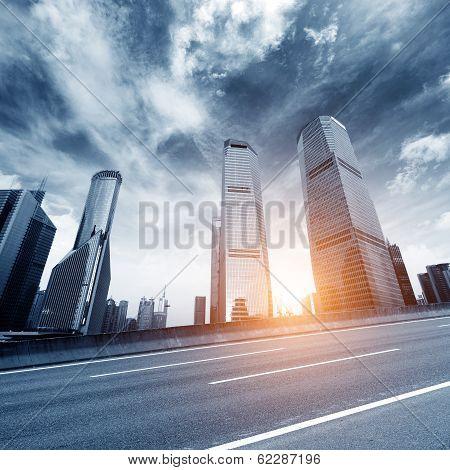 Yang shot at dusk landscape of Shanghai, Shanghai landmarks