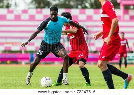 Sisaket Thailand-september 17: Etoundi Pie Claude Of Sisaket Utd. In Action During Unofficial Friend