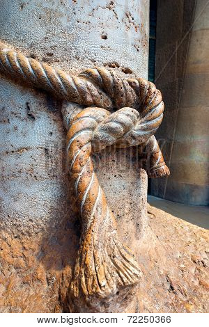 Sagrada Familia Barcelona - Column With Knot