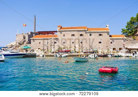 The Tiny Harbor