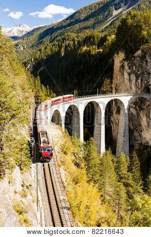 train on Rhaetian Railway, Landwasserviadukt, canton Graubunden, Switzerland