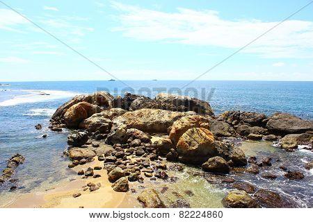 Rocky Cape, Galle