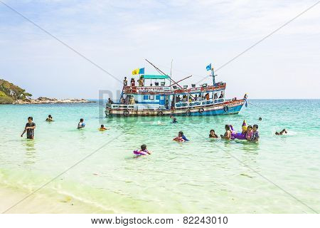 Local People On A Boattrip Enjoy The Clear Water And Beach In Ko Samet