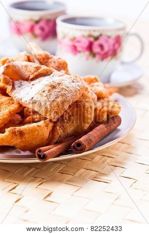 Deep Fried Pastry With  Cinnamon