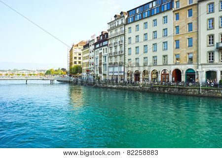 GENEVA, SWITZERLAND - SEP 11: Geneva downtown on September 11, 2014. Geneva is the second most populous city in Switzerland and is the most populous city of Romandy.