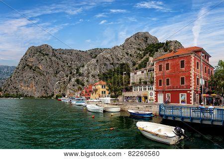 Omis A Small Tourist Town In Dalmatia