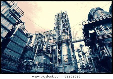 oil and gas refinery industry, pipelines and towers
