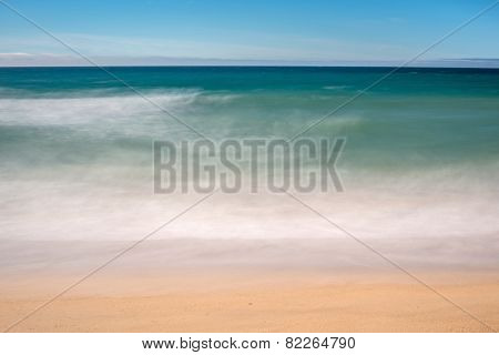 Ocean, blurry movement background - seashore