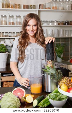 Pretty Woman Making Detox Juice