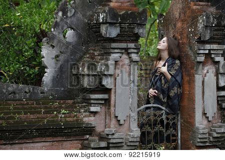 The Model Woman In The Hindu Temple Of Water