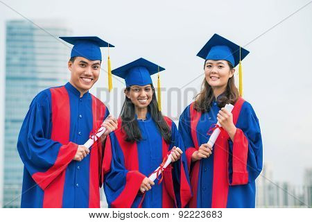 Graduated friends