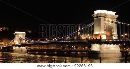 Chain Bridge by night in Budapest