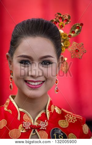 BANGKOK THAILAND - FEBRUARY 06 2016 : Unknown Thai girl takes part in a beauty contest during the Chinese New Year celebration