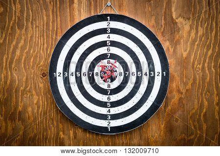 Five darts in bullseye, dartboard, good result