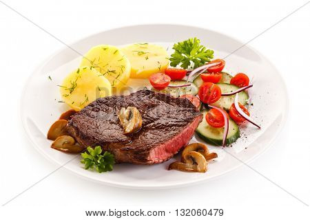 Grilled beef steak and vegetables