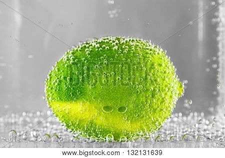 Lime Citrus in water . design element