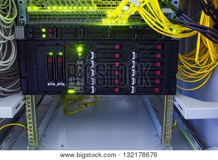 disk storage for the switch cables in data center