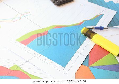 The sharp fall in the bulk graph