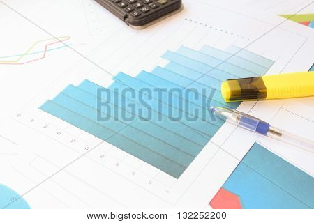 The decline in the diagram. Different types of charts showing data