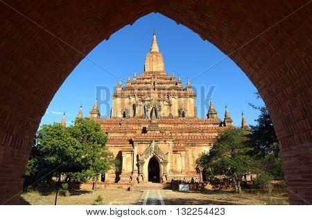 Htilominlo Pagoda (Paya) in Bagan, Myanmar (Burma)