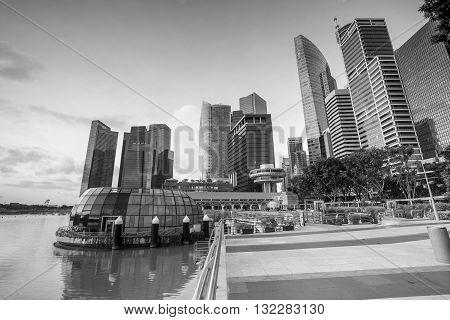 Beuatiful Sunrise In The Morning At Singapore