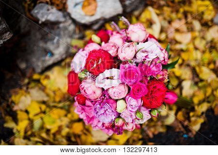 Wedding Bouquet Of Rose And Peony David Austin At Yellow Leaves