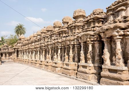 STONE TEMPLE CARVINGS:  The kanchi Kailasanathar temple is the oldest structure in Kanchipuram. Located in Tamil Nadu, India, it is a Hindu temple in the Dravidian architectural style