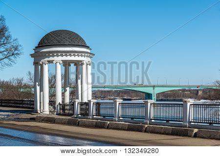 Gazebo on the embankment of the river Volga in Yaroslavl, Russia