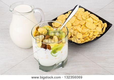 Muesli With Slices Of Pineapple, Kiwi, Raisins And Corn Flakes