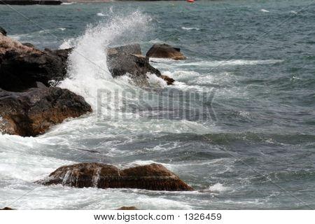 Breaker With Rocks (Wave)