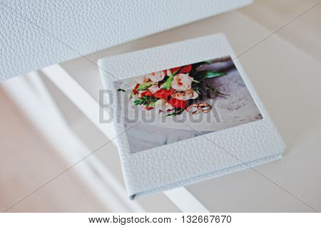 Wedding CD or flash box with photo of wedding bouquet with rings