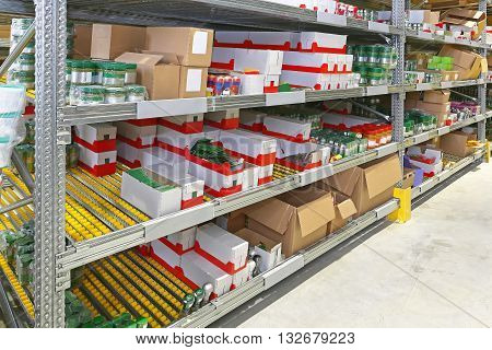 Rack With Gravity Flow in Distribution Warehouse