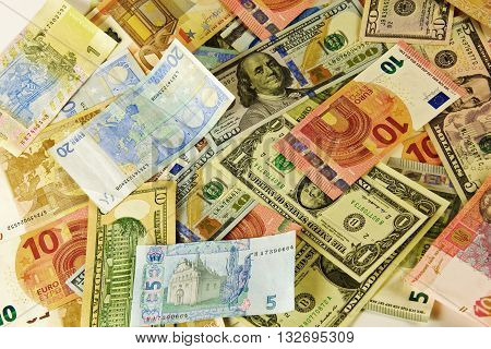 Banknotes of different values in different countries