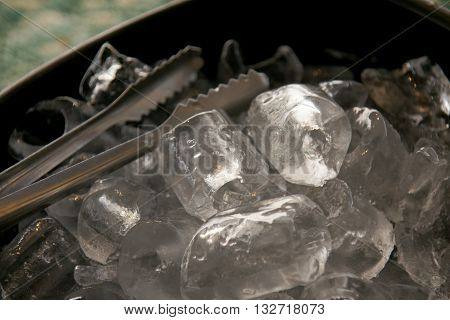 Black Plastic Ice Bucket And Stainless Steel Ice Tongs