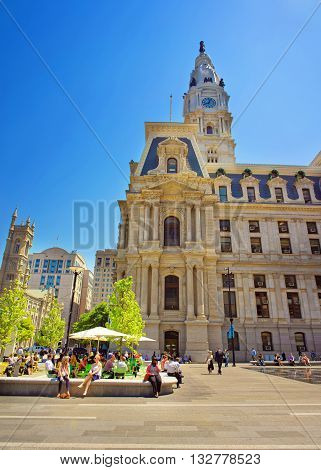 Philadelphia City Hall With Lots Of Tourists On Penn Square
