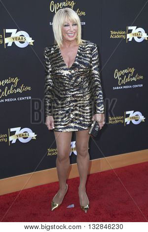 LOS ANGELES - JUN 2:  Suzanne Somers at the Television Academy 70th Anniversary Gala at the Saban Theater on June 2, 2016 in North Hollywood, CA