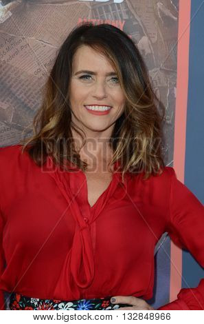 LOS ANGELES - MAY 10:  Amy Landecker at the All The Way LA Premeire Screening at the Paramount Studios on May 10, 2016 in Los Angeles, CA