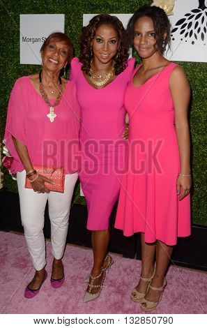 LOS ANGELES - JUN 4:  Dolores Robinson, Holly Robinson Peete, guest at the 2016 Ladylike Women of Excellence Awards Gala at the Beverly Hilton Hotel on June 4, 2016 in Beverly Hills, CA