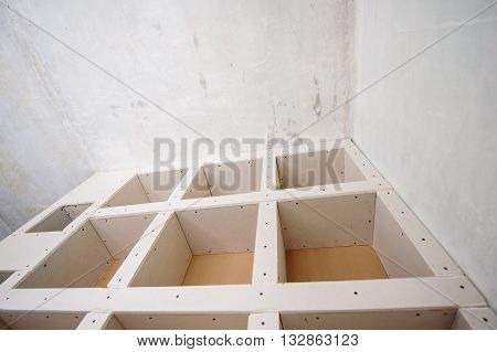 Design of shelves for books. Repairs in the apartment.