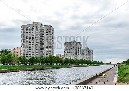 Novo Smolenskaya Embankment