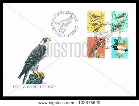 SWITZERLAND - CIRCA 1971 : First day cover letter printed by Switzerland, that shows birds.