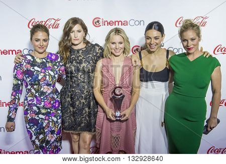 LAS VEGAS - APRIL 14 : (L-R) Actreses Annie Mumolo Kathryn Hahn Kristen Bell Mila Kunis and Christina Applegate attend the CinemaCon Big Screen Achievement Awards at The Caesars Palace on April 14 2016 in Las Vegas