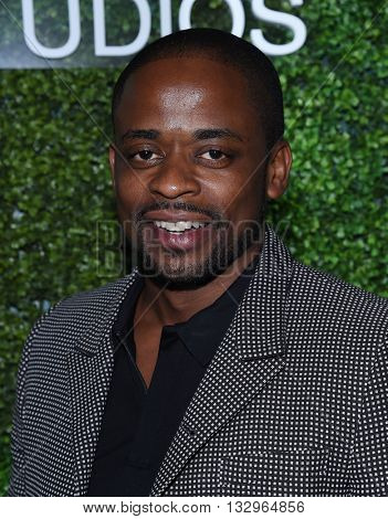 LOS ANGELES - JUN 02:  Dule Hill arrives to the 2016 CBS Summer Soiree  on June 02, 2016 in Hollywood, CA.
