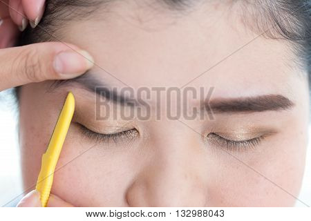 Makeup Artist Used Eyebrow Razor Makeup A Pretty Woman Face