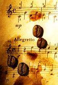 Постер, плакат: Кофейные бобы на фоне шероховатый музыкальные