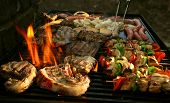 foto of bbq party  - the perfect grilled stake makes friends - JPG