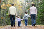 Постер, плакат: Семья прогулки